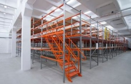 Choosing the right staircase for your mezzanine floor